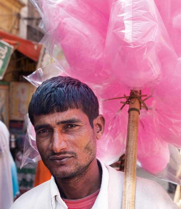 Fliegender Händler in Haridwar, Indien, 2010